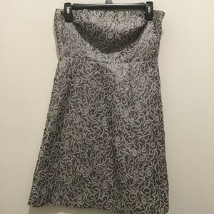 The limited strapless dress, size 4